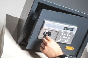 eddie and suns locksmith safes and vaults service